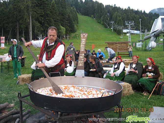 В последния ден на дъждовния и хладен май бяхме гости в Боровец на т. нар. Юнашки тиган. Главен организатор бе bТV – телевизията празнуваше 14 години от появяването си на […]