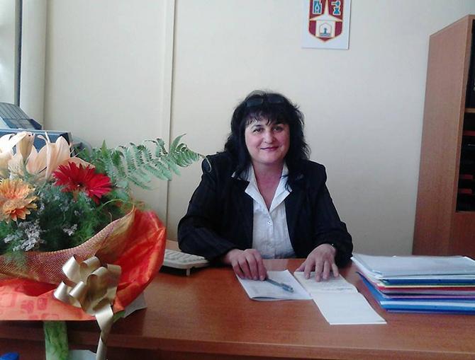 """От 16 юни гл. експерт """"Образование, младежки дейности и спорт"""" към Общината /дирекция """"Хуманитарни дейности, екология, търговия, туризъм, общинска собственост""""/ е Жулияна Костова. До края на миналата година тази длъжност […]"""