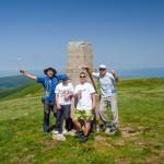 Нашенци изминаха 27 км, за да изкачат Руен – първенеца на Осогово