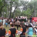 От 7- до 90-годишни изпълнители два часа пяха край Бельова черква