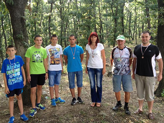 """Истински фурор направиха самоковските ориентировачи на състезанието """"Кюстендилска пролет"""", състояло се на 26 март в крайградския парк Хисарлъка. Нашите спечелиха 6 медала – 3 златни и 3 сребърни, откривайки по […]"""