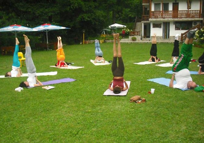 Дъщерята на Дарина Павлова – Паола, ще бъде един от организаторите на международен йога фестивал, който ще се състои от 18 до 22 август в Боровец. Паола Павлова работи като […]