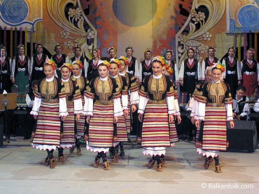 """Поредицата от големи културни събития в града ни през тази година продължава. Националният фолклорен ансамбъл """"Филип Кутев"""" ще изнесе концерт в читалище-паметник """"Отец Паисий"""" навръх Деня на музиката – на […]"""
