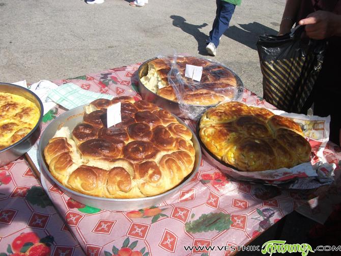 Традиционният празник на картофите и дзивата и приятното слънчево време събраха на 13 септември на площада в Поповяне стотици жители и гости на селото. Те бяха топло приветствани от кмета […]