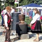 На фестивала на сливовата ракия в Троян