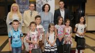 """Самоковецът Кристиан Валериев Попов стана един от седемте първокласници-призьори в инициативата на Радио София по повод седмия рожден ден на медията. В кампанията """"Седемте първолаци"""" на радиото са се регистрирали..."""