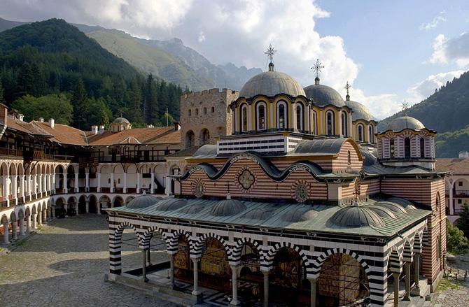 По решение на правителството Рилският манастир стана обект с национално значение. Предложението на министъра на културата Мартин Иванов бе гласувано на 10 септември. Новият статут ще подпомогне опазването на културното […]