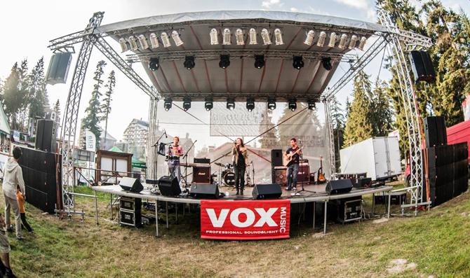 """Фестивалът """"Рок в Рила"""" се състоя за 11-и път, но това лято за сефте домакин бе не Бели Искър, а Боровец. На голямата 10-метрова сцена на открито в събота, на […]"""