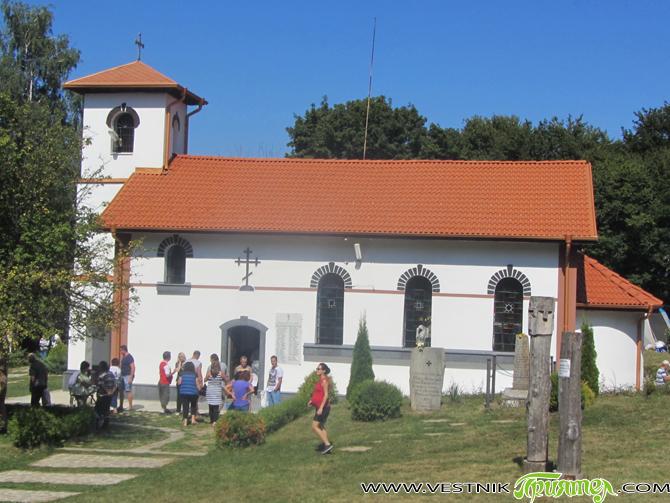 В неделния ден на 30 август хиляди жители на бившето село Шишманово, техни наследници и гости от близо и далеч се събраха на традиционния събор на Шишмановския манастир. Вече 60 […]