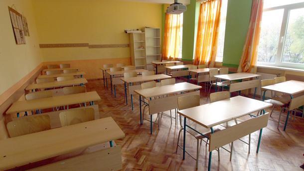"""Приключиха ремонтите в училищата и детските градини, информираха от Общината в навечерието на 15 дептември. По данни на директорите всички имат готовност за започване на учебната година. В ПГ """"Константин […]"""
