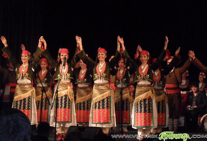Годината е 1951-а. Ражда се един ансамбъл, който години наред ще прославя България по цял свят със своите песни, музика и танци. Това е рожбата на Филип Кутев, основал този […]