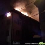 """Огнен ад изпепели част от къща на ул. """"Булаир"""" /ВИДЕО/"""