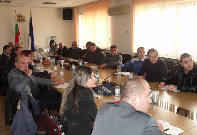 """Семинар на доброволците от Софийска област се състоя на 3 и 4 ноември в столицата. Участниците преминаха обучение по темата """"Национална програма за поетапно изграждане на самостоятелно действащи доброволни формирования"""". […]"""