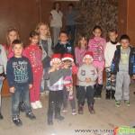 Ученичка учи малки и големи в Мала църква