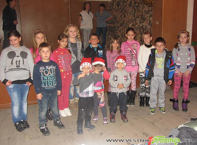 Знаят ли младите какви са българските, а защо не и местните, обичаи на различни бележити дати? Знаят ли как техните родители, баби и дядовци са посрещали например Бъдни вечер, Коледа? […]