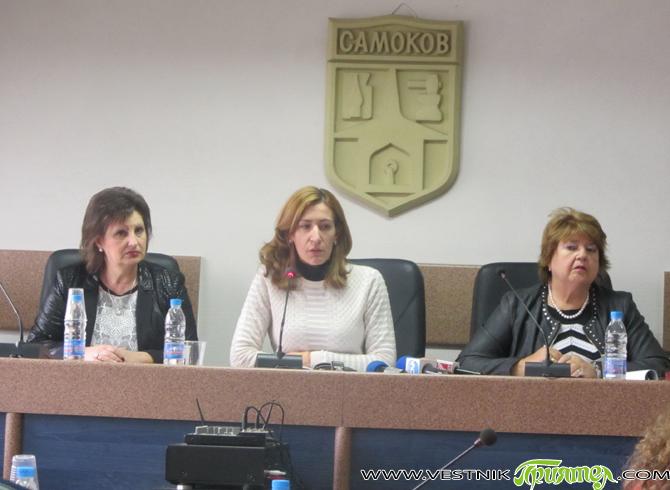 Новият министър на туризма Николина Ангелкова бе на посещение вчера, четвъртък, 4 декември, в Самоков и Боровец /както е известно, като самостоятелно Министерството на туризма бе формирано след последните парламентарни […]