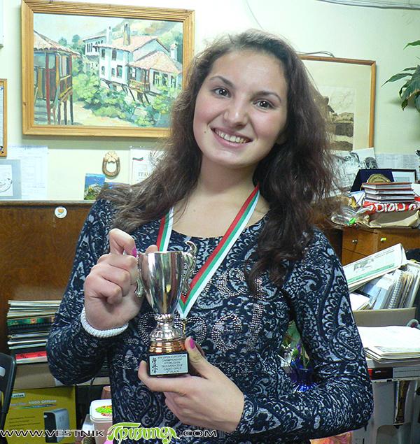 """В събота, на 29 ноември, самоковката Катя Костова спечели бронзов медал на откритото европейско първенство по карате киокушин в """"Арена Самоков"""". Нека разберем какво е чувството да вземеш медал на […]"""
