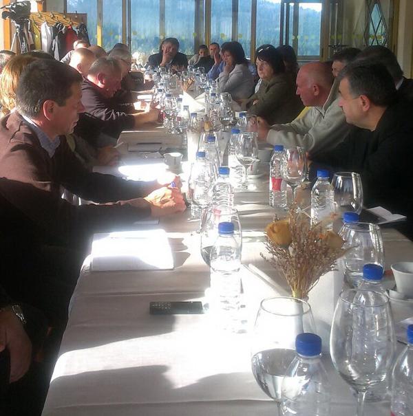 Готовността на Боровец за предстоящия зимен туристически сезон бе обсъдена на работно съвещание, състояло се в курорта на 28 ноември по инициатива на областния управител. Срещата бе открита от зам.-областния […]