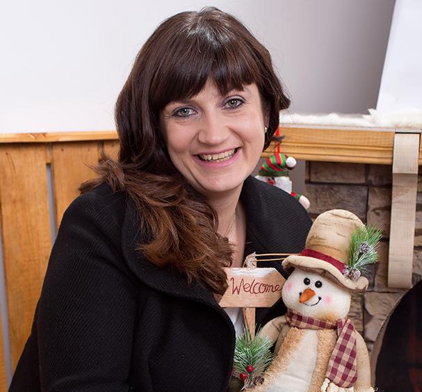"""Аз съм… Кристина Ангелова – главен редактор новини и водещ в Тв """"Канал Рила"""" – Самоков Мисълта, с която се събуждам, е… изгрява нов ден, хубаво е да го започнем […]"""