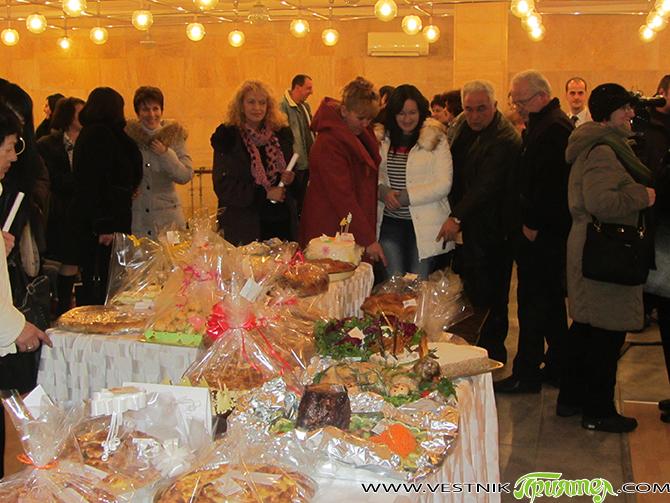 Превърналата се вече в традиция кулинарна изложба-базар, организирана от самоковската структура на ГЕРБ-Жени, се проведе в Ритуалната зала вечерта в понеделник, на 19 януари. Изложбата се урежда вече 6 поредни […]