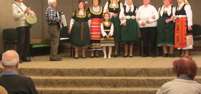 """Да, наистина! На 23 януари за настанените в Дома за стари хора """"Семейство д-р Калинкови"""" бе организиран концерт в Младежкия дом. Според директорката на дома Латинка Щъркелова идеята е била […]"""