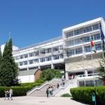 Университетски преподаватели изнесоха уроци в самоковско училище