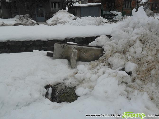 """""""Според вас правилно ли е решението, когато навали много сняг, той да се изхвърля в коритата на реките?"""" С този въпрос се обърнахме към нашите читатели във фейсбук в понеделник, […]"""