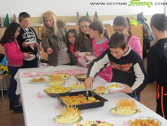 """Участниците в четирите полуинтернатни групи в СОУ """"Отец Паисий"""" организираха кулинарна изложба с типичния за Самоков хранителен продукт – картофа. Гости на младите готвачи на 20 март бяха ученици от […]"""