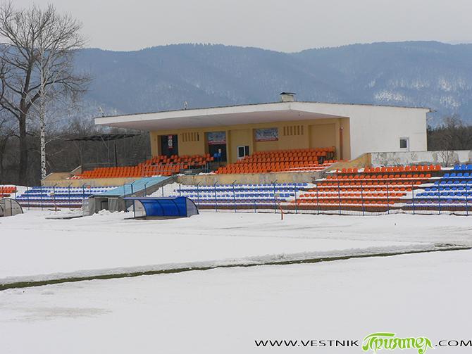 """Лошите метеорологични условия принудиха Българския футболен съюз да отложи всички срещи от Югозападната Трета лига. По график """"Рилски спортист"""" трябваше да домакинства на """"Беласица"""" /Петрич/ навръх националния празник 3 март. […]"""