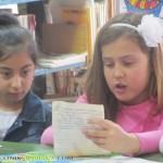 Малчугани организираха пролетен празник в библиотеката