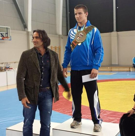 """Асът на """"Рилски спортист"""" Красимир Крумов остана на косъм от медалите на """"Евро 2017"""" по борба класически стил в Дортмунд, Германия. В кат. 74 кг Крумов падна в решителния сблъсък […]"""