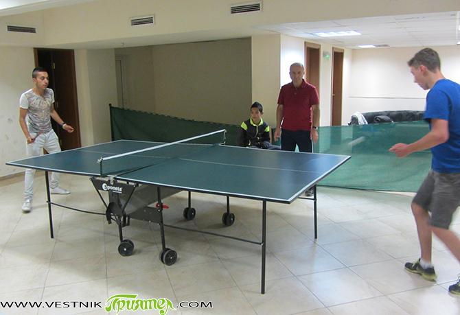 Швейцарските ученици, които в рамките на две седмици освежават самоковски училища, премериха силите си с български връстници на приятелски турнир по тенис на маса, състоял се на 23 юни в […]
