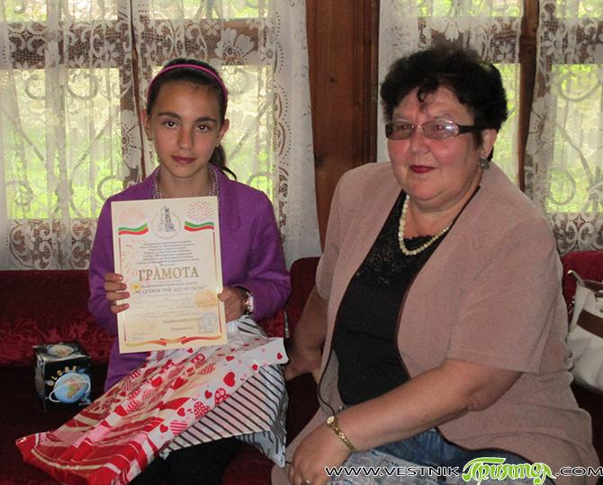 """Петима ученика и една преподавателка от нашия град бяха наградени като призьори в националния ученически конкурс """"Не се гаси туй, що не гасне"""". Конкурсът бе организиран от Национално движение """"Русофили"""", […]"""