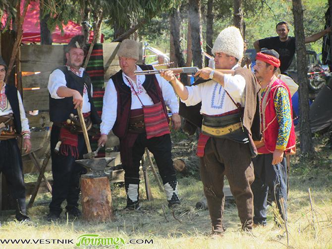 Идеята за провеждане на Чакъровите празници възникна в началото на 1975 г., когато се навършваха 160 години от рождението и 120 години от гибелта на Христо Проданов – Чакър войвода. […]