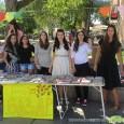 """В петък – на 28 август, доста хора наблюдаваха с интерес работата на няколко момичета на подредения щанд с книги на самия централен площад """"Захарий Зограф"""". Мнозина се спираха, а […]"""