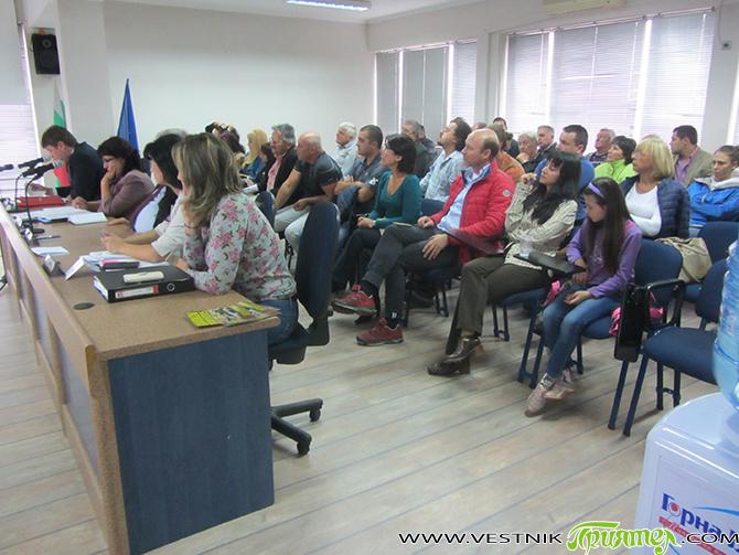 Общинският съвет отхвърли на сесията на 10 септември искането на Инициативен граждански комитет за провеждане на местен референдум за местонахождението на бъдещото регионално депо за отпадъци поради незаконосъобразност на поставения […]
