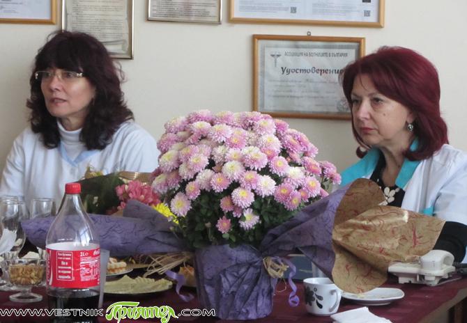 """В """"МБАЛ-Самоков"""" на самия 19 октомври – деня на преп. Йоан Рилски Чудотворец, членове на медицинския съвет и на съвета по здравни грижи при болницата, отбелязаха тържествено Деня на българския […]"""