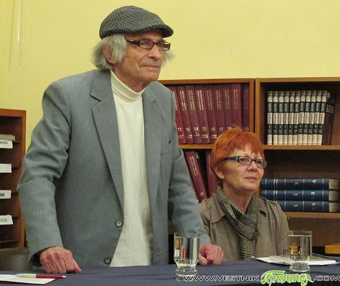 """В Общинската библиотека """"Паисий Хилендарски"""" на 17 ноември бе представена мемоарната книга на акад. Богоя Сапунджиев """"В прегръдката на живота"""". Посетителите можаха да видят и подредената във фоайето 27-а самостоятелна […]"""