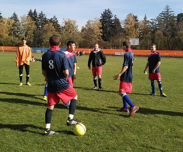 """Общо 16 отбора от 10 училища със 196 спортисти участваха в турнира по футбол в рамките на общинските ученическите игри. Турнирът се състоя на 29 октомври на ст. """"Искър"""". При […]"""