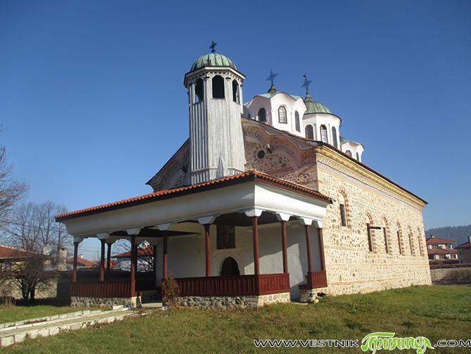 Най-новата черква в града ни, осветена макар и през далечната 1861 г., носи името на св. Николай Мирликийски Чудотворец. Храмовият празник започна още предишния съботен ден – на 5 декември, […]