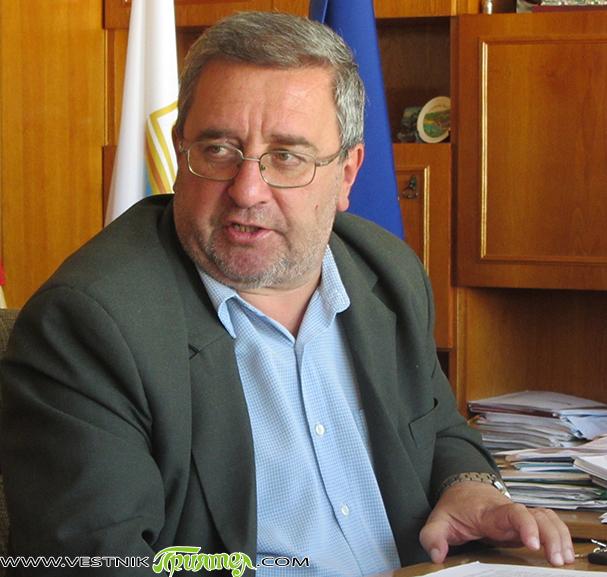Оставка е подал шефът на Общинското лесничейство инж. Георги Чапкънски. Преди да заеме поста дългогодишният специалист бе и зам.-управител на лесничейството. По думите му, той ще работи в бъдеще извън […]