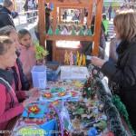 """Коледен базар изпълни площад """"Захарий Зограф"""" с хора и настроение"""
