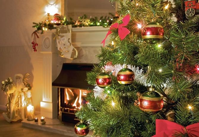 Минаваха последните дни на декември 1943 г. Коледа тогава се празнуваше на 7, 8 и 9 януари. Аз бях ученичка в първо отделение /първи клас/. Зимната ваканция на учениците започваше […]