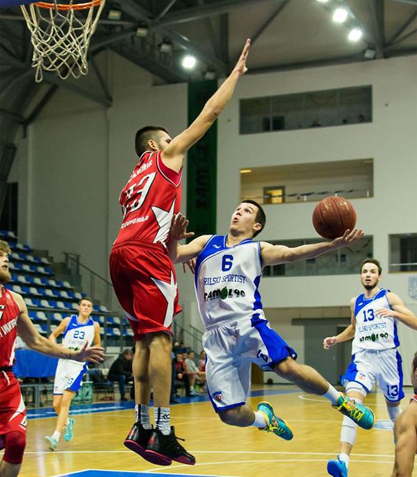 """Първа победа извън """"Арена Самоков"""" в западната """"А"""" група – второто ниво на родния мъжки баскетбол, постигна дубълът на """"Рилски спортист"""". Самоковци сразиха възродения мъжки състав на ЦСКА в столичната […]"""