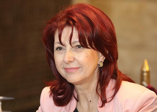 """""""Бойко Борисов е прав"""", така коментира лидера на Българския демократичен център д-р Красимира Ковачка изказването на премиера в оставка, че единственото заради което си заслужава да бъде удължен живота на […]"""