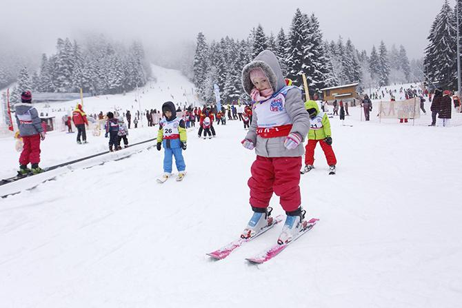 За пети пореден път в събота, на 16 януари, Боровец събра малки и големи любители на белите спортове и красотата на планината, за да отпразнуват заедно Световния ден на снега. […]