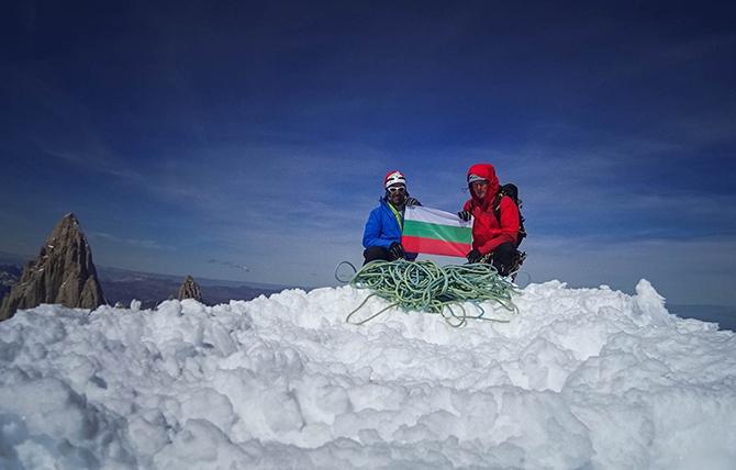 Изложба за изкачването на вр. Серо Торе в Андите да се подготви, предложи на заседанието на общинарите на 19 май съветникът инж. Петър Георгиев. Както е известно, на митичния връх […]