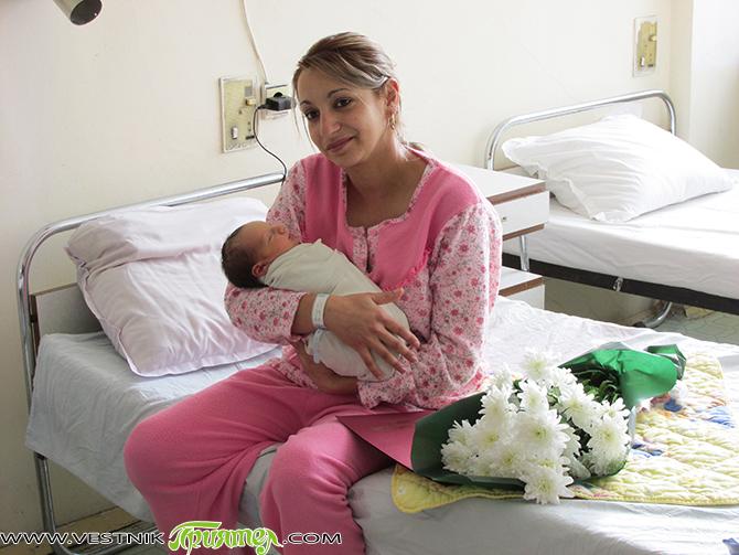 Първото бебe в самоковската болница се роди на самия 1 януари в 15 ч. Момченцето тежи 2.8 кг и ще носи името Иван. Майка му – 18-годишната Нели Методиева Мирчова, […]