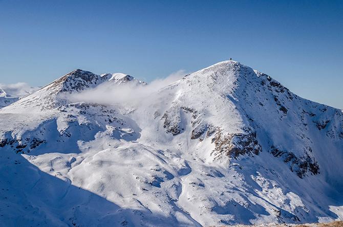 """16–членна група планинари от дружество """"Рилски турист"""" се включихме в 11-ото традиционно зимно изкачване на първенеца на Шар планина – Титов връх /2747 м н. в./. Рано сутринта на 19 […]"""