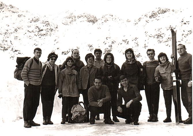 Поводът за настоящето писание е едно драматично събитие. На 16 декември 1965 г. – преди 50 години, група алпинисти от София провеждат зимен траверс в Мальовишкия дял на Рила; рано […]